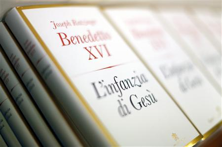 Copies of Pope Benedict XVI's book ''The Childhood of Jesus'' are seen during a presentation in the Vatican November 20, 2012. REUTERS/Alessandro Bianchi
