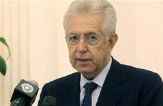 Il presidente del Consiglio, Mario Monti, durnte una conferenza stampa in Qatar. Doha, 19 novembre 2012. REUTERS/Stringer