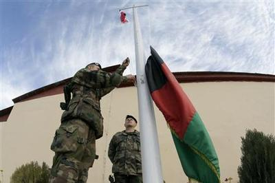 French combat troops withdraw from Afghan war