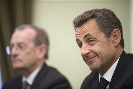 Former French president Nicolas Sarkozy (R) attends a meeting with Russian President Vladimir Putin (not pictured) at the Novo-Ogaryovo state residence outside Moscow November 14, 2012. REUTERS/Natalia Kolesnikova/Pool