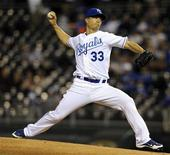 Kansas City Royals starting pitcher Jeremy Guthrie delivers a first inning pitch against the Detroit tigers in their MLB American League baseball game in Kansas City, Missouri October 2, 2012. REUTERS/Dave Kaup