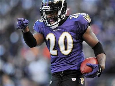 Baltimore Ravens free safety Ed Reed celebrates his fourth quarter interception against the Houston Texans during their NFL AFC Divisional Playoff football game in Baltimore, Maryland, January 15, 2012. REUTERS/Patrick Smith
