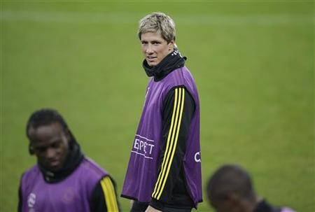 Chelsea's Fernando Torres attends a training session at the Juventus stadium in Turin November 19, 2012. Chelsea will face Juventus in a Champions League soccer match on Tuesday. REUTERS/Tony Gentile