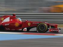 El Gran Premio de Fórmula Uno de Corea del Sur acumuló importantes pérdidas el pasado mes, el tercer año consecutivo que ha terminado en números rojos, pero los organizadores dijeron que la carrera proporcionará beneficios a largo plazo para el país. En la imagen, el Ferrari de Fernando Alonso en el circuito de Yeongam en Corea del Sur el 13 de octubre de 2012. REUTERS/Bazuki Muhammad