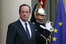 <p>Le président français François Hollande a salué mercredi l'annonce d'un cessez-le-feu entre Israël et le Hamas et félicité les autorités égyptiennes pour leur médiation. /Photo prise le 21 novembre 2012/REUTERS/Benoît Tessier</p>