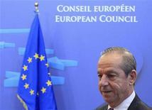 Il primo ministro di Malta Lawrence Gonzi oggi alla sede del Consiglio europeo. REUTERS/Yves Herman