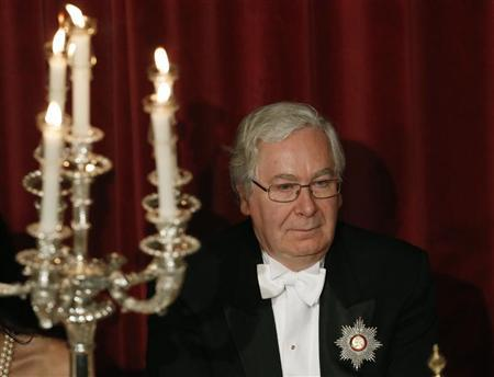 Britain's Governor of the Bank of England Mervyn King attends the Lord Mayor's Banquet at the Guildhall in the City of London November 12, 2012. REUTERS/Luke MacGregor