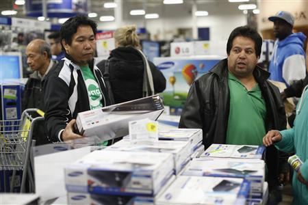 Customers shop for a DVD player inside Best Buy during Black Friday in San Francisco, California November 23, 2012. REUTERS/Stephen Lam