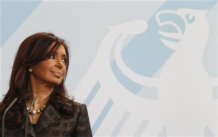 Argentina's President Christina Fernandez de Kirchner addresses a news conference at the chancellery in Berlin, October 6, 2010. REUTERS/Fabrizio Bensch