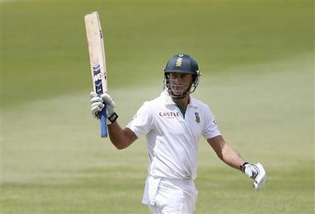 South Africa's Faf du Plessis reacts on reaching his half century during the third day of the second test cricket match against Australia at the Adelaide cricket ground November 24, 2012. REUTERS/Regi Varghese