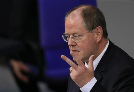 Peer Steinbrueck of the opposition Social Democratic Party (SPD) delivers a speech during a session of the lower house of parliament Bundestag in Berlin November 9, 2012. REUTERS/Tobias Schwarz