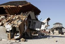 Casas destruídas na Avenida Lyman em Mantoloking, Nova Jersey. A supertempestade Sandy causou pelo menos 29,4 bilhões de dólares em destruição em Nova Jersey, segundo uma análise preliminar que o governador Chris Christie divulgou na sexta-feira. 21/11/2012 REUTERS/Tom Mihalek