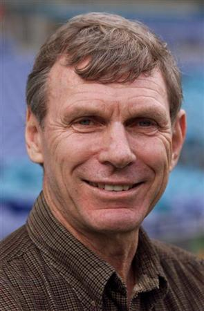 Olympic 1500 meter runner New Zealand's Peter Snell, gold in Tokyo 1964, in Sydney June 22 for Olympic Week. MDB/JIR/AA