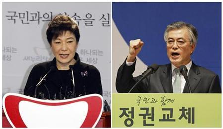 Combination photo taken from file pictures show ruling right-wing conservative Saenuri Party's interim leader Park Geun-hye speaking in Seoul April 12, 2012 (L) and Moon Jae-in, lawmaker of the main opposition Democratic United Party and former human rights lawyer, speaking in Goyang September 16, 2012. REUTERS/Kim Hong-Ji(L)/Lee Jae-Won(R)/Files