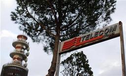Una struttura di Telecom Italia a Roma. REUTERS/Alessandro Bianchi