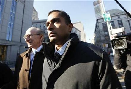 Former SAC Capital employee Mathew Martoma exits Manhattan Federal court following an appearance on insider trading charges in New York November 26, 2012. REUTERS/Brendan McDermid