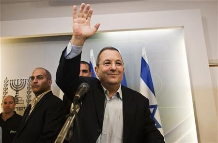 Israel's Defence Minister Ehud Barak waves as he leaves after a news conference in Tel Aviv November 26, 2012. REUTERS/Nir Elias