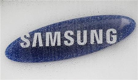 The logo of Samsung Electronics is seen at the company's headquarters in Seoul July 6, 2012. REUTERS/Lee Jae-Won