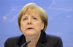 <p>Foto de archivo de la canciller alemana Angela Merkel en una conferencia de prensa al final de una cumbre de líderes de la Unión Europea en Bruselas. 23 noviembre, 2012. Los legisladores alemanes posiblemente aprobarán de inmediato la liberación de un nuevo tramo de ayuda para Grecia, pese a la sospecha de que las discusiones sobre una quita de la deuda del país sólo fueron postergadas hasta después de las elecciones de Alemania en el 2013. REUTERS/Eric Vidal</p>