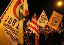 Sostenitori del partito di estrema destra ungherese Jobbik. REUTERS/Laszlo Balogh