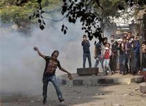 Un manifestante anti-Mursi in piazza Tahrir al Cairo. REUTERS/Ahmed Jadallah