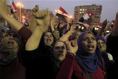 Manifestantes protestam contra o governo e o presidente egípcio, Mohamed Mursi, na praça Tahrir, no Cairo, Egito, nesta terça-feira. 27/11/2012 REUTERS/Mohamed Abd El Ghany