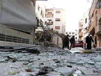 Macerie per le strade di Damasco. REUTERS/Fadi al-Derani/Shaam News Network/Handout