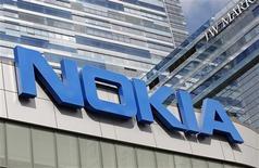 Nokia ha ganado su disputa con el fabricante de BlackBerry Research In Motion (RIM) sobre el uso de patentes relacionadas con tecnología de red de área local inalámbrica (WLAN), dijo la compañía finlandesa el miércoles. En la imagen, de archivo, el logo de Nokia. REUTERS/Mario Anzuoni