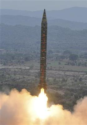 Pakistan tests nuclear-capable ballistic missile