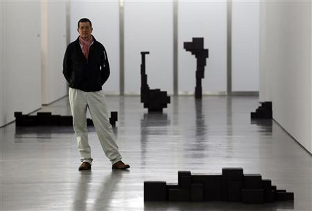 British artist Antony Gormley poses for a photograph at a White Cube gallery in London November 27, 2012. REUTERS/Stefan Wermuth
