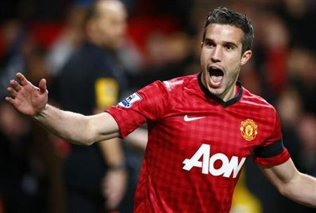 Manchester United's Robin van Persie celebrates his goal against West Ham United during their English Premier League soccer match at Old Trafford in Manchester, northern England, November 28, 2012. REUTERS/Darren Staples