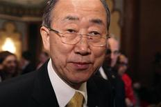 United Nations (U.N.) Secretary-General Ban Ki-moon leaves after a joint news conference with Arab League Secretary-General Nabil Elaraby following their meeting to discuss the situation in Gaza, in Cairo November 20, 2012. REUTERS/Asmaa Waguih