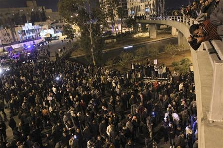 Protesters take part during a demonstration following an announcement that Jordan would raise fuel prices, including a hike on cooking gas, in Amman November 13, 2012. REUTERS/Muhammad Hamed