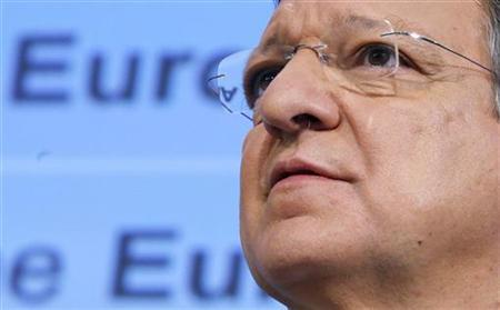European Commission President Jose Manuel Barroso addresses a news conference at the EU Commission headquarters in Brussels November 28, 2012. REUTERS/Francois Lenoir