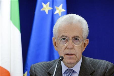 Italy's Prime Minister Mario Monti holds a news conference at the end of an EU leaders summit discussing the EU's long-term budget at the European Union (EU) council headquarters in Brussels November 23, 2012. REUTERS/Eric Vidal