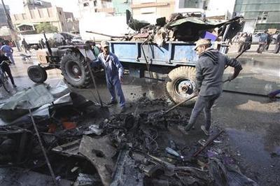 Bombs kill 30 in Iraq Shi'ite cities