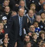 """Después de dos aburridos empates sin goles en Stamford Bridge y una fría """"bienvenida"""" por parte de los aficionados locales, Rafael Benítez podría tranquilizarse ganando lejos de Londres el sábado cuando el Chelsea se enfrente al West Ham United en Upton Park. En la imagen, de 25 de noviembre, el entrenador del Chelsea, Rafa Benítez, reacciona durante la actuación de su equipo frente al Manchester City. REUTERS/Russell Cheyne"""