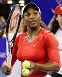 La tenista estadounidense Serena Williams ha sido nombrada Jugadora del Año del WTA, tras una de las temporadas más exitosas de su carrera. En la imagen, la tenista estadounidense Serena Williams tras un partido de exhibición en Johannesburgo, el 4 de noviembre de 2012. REUTERS/Siphiwe Sibeko