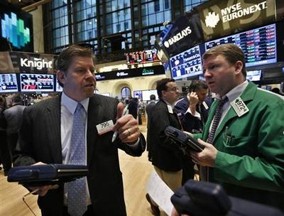 Wall Street ends higher after swings on 'fiscal cliff'