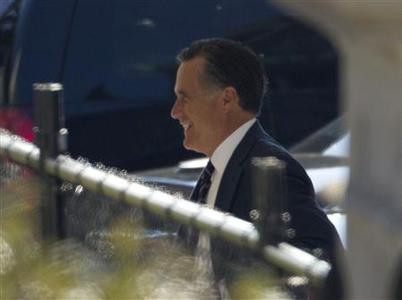 Former U.S. Republican presidential nominee Mitt Romney is pictured as he arrives at the White House for a private lunch with U.S. President Barack Obama at the White House in Washington, November 29, 2012. REUTERS/Jason Reed