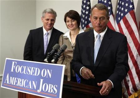 U.S. House Speaker John Boehner (R-OH) (R) leaves after the GOP news conference on the ''fiscal cliff'' on Capitol Hill in Washington, November 28, 2012. REUTERS/Yuri Gripas
