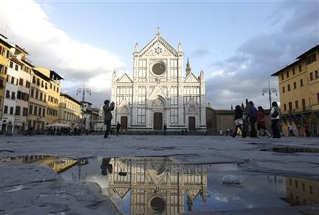 Santa Croce Church is seen in Florence February 26, 2010. REUTERS/Alessandro Bianchi/Files