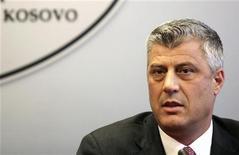 El Gobierno de Kosovo ha condenado la filtración de unas llamadas telefónicas grabadas por investigadores de la Unión Europea en la que aparecen voces identificadas como las del primer ministro y varios altos cargos. En esta imagen de archivo, el primer ministro de Josovo, Hashim Thaci, en una rueda de prensa en Prístina, el 10 de septiembre de 2012. REUTERS/Hazir Reka