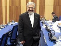 Embaixador iraniano da AIEA, Ali Asghar Soltanieh, sorri durante reunião de governadores na sede de ONU em Viena. Qualquer ataque contra as instalações nucleares do Irã pode levar o país a se retirar do Tratado de Não Proliferação (TNP), um pacto que visa impedir a disseminação de armas nucleares, disse um embaixador. 29/11/2012 REUTERS/Herwig Prammer