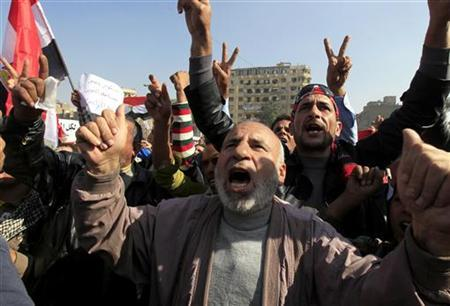 Anti-Mursi protesters chant anti-government slogans at Tahrir Square in Cairo November 30, 2012. REUTERS/Mohamed Abd El Ghany