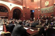 Membros da assembleia finalizaram a nova Constituição do Egito, que visa a transformação do país e abre caminho para acabar com crise após presidente dar novos poderes a si próprio. 29/11/2012 REUTERS/Mohamed Abd El Ghany