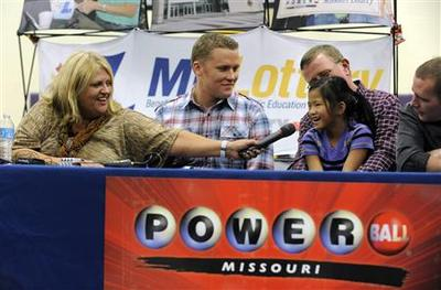 Missouri couple wins half of record Powerball lottery...