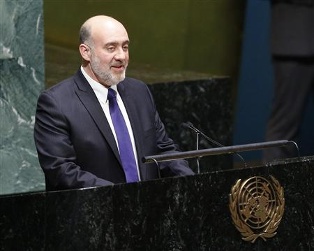 Israeli Ambassador to the United Nations Ron Prosor addresses the United Nations General Assembly during a meeting at U.N. Headquarters, in New York, November 29, 2012. The 193-nation U.N. General Assembly overwhelmingly approved a resolution on Thursday to upgrade the Palestinian Authority's observer status at the United Nations from ''entity'' to ''non-member state,'' implicitly recognizing a Palestinian state. REUTERS/Chip East