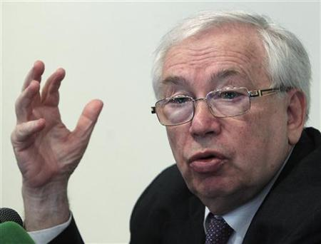 Russian Human Rights Commissioner Vladimir Lukin speaks during a news conference in Moscow, August 23, 2012. REUTERS/Sergei Karpukhin (