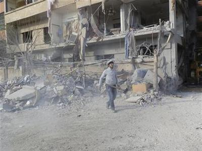 Syria rebels bombed as opposition open to peacekeepers
